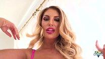 August Ames, la blonde sexy multiplie les orgasmes's Thumb