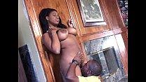 Black Babe Spreads Thighs Vorschaubild