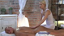 Massage Rooms Young blonde masseuse has squirting orgasm over oiled hunk Vorschaubild