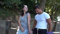 Download video bokep Ilia adore les mecs musclés avec une belle bite 3gp terbaru
