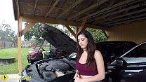 Roadside - Latina wife has sex with her mechanic outside - 69VClub.Com