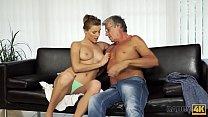Download video bokep DADDY4K. Sexo con su padre después de la piscina 3gp terbaru