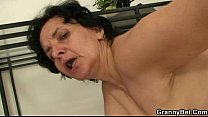 He bangs her old hole