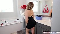 NAUGHTY AMERICA WIFE CAUGHT IN THE BATHTUB