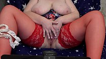 9293 Fat milf in stockings in front of the webcam shakes big tits and masturbates her hairy pussy to orgasm. preview