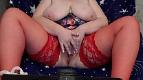 13037 Fat milf in stockings in front of the webcam shakes big tits and masturbates her hairy pussy to orgasm. preview
