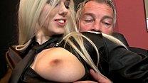 Chef fickt seine süsse Angestellte - HD pornhub video