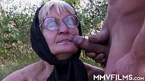 Slutty granny gets nailed outdoors
