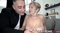 Lusty grandma fucked in pussy by hung y. guy
