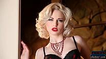 Sexy MILF blonde Carissa White hot posing in lingerie