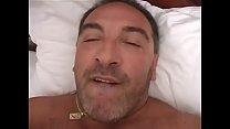 Roberto Malone - punheta na cama (video 22)