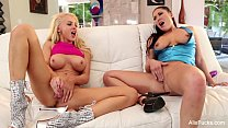 Alix Lynx And London Keyes