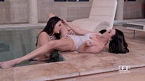 Absolutely Delicious Busty Lesbian Poolside Orgasms Vorschaubild