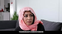Muslim girls (Binky Beaz) do it better - TeenPies