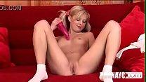 Blonde teen peris insert her pink dildo in puss...