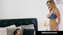Step Mom Milf Julia Ann Gets A Load On Her Face By Step Son! صورة