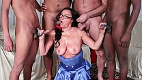 SCAMBISTI MATURI - Steamy interracial gangbang with mature Italian amateur and four studs