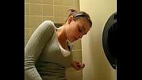 masturbando no banheiro ate gozar - xvideoscaiunanet.com.br Image