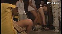 Fangende skolepige blowjob og tortur hendes fisse