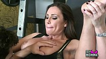 Small amateur Chica Stepdaughter eager to drink last drop of facial thumbnail
