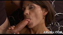 Sexy mom gets pleasure of schlong