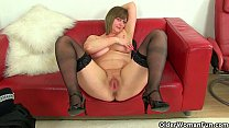 British milf Lily can't resist a strong sexual ...