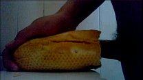 thủ dâm với bánh mì