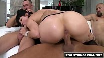 RealityKings - Monster Curves - (Bobbi Starr, Chris Strokes, Eric Swiss, Voodoo) - Give Me More صورة