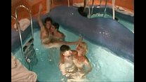 momlick.com-zreloe-porno-video-razlozhili-dvuk-maromoek-v-saune HomeCinema.avi image