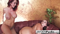 Jayden Jaymes gives a Hot Pussy Licking