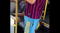 Manjando o cara do ônibus