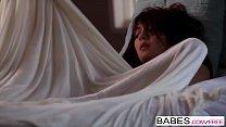 Screenshot Babes Under Cov er starring Cassie Laine clip sie Laine clip