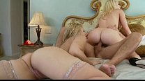 Kagney Lynn Karter and Sara Vandella-Courtneys ...