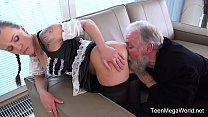 Old-n-Young.com - Lita Phoenix - Sexy maid serves old man Vorschaubild