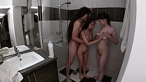 Taking a threesome shower with my girlfriend an...