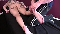 Anna Bell Peaks Gets Erotic Massage and Happy Ending thumbnail