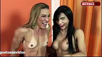 Bastidores do pornô SOL SOARES X  YASMIN DORNELLES - Diretor pergunta atrizes respondem