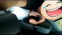 Novinha branquinha no carro do uber