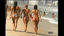 Sexy Brazilian thong booty and Italian beach dancers