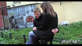 Getting her concupiscent slit ravished by two hunks arouse chick