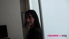 Sticking raw Japan cock inside Thai teen pussy
