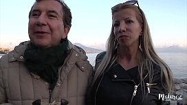 Lara, mature sexy aux gros seins encul&eacute_e par un jeune