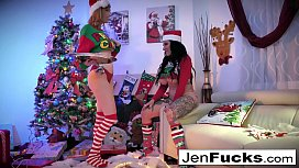 Christmas gift sharing with Jenevieve Hexxx and Lauren Phillips