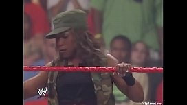 Mickie James vs Jazz. 2006.