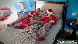 Stepteen fucked by stepdad in christmas
