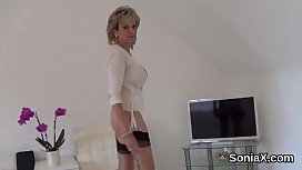 Cheating british mature lady sonia flashes her large puppies