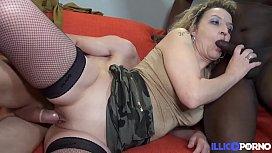 B&eacute_a, mature sexy pour qui la pluralit&eacute_ n'_a plus de secret