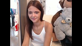 Cute webcamer trying anal