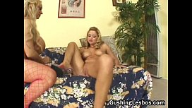 Mature lesbo slut gets fucked with dildo
