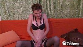 MILF Barra Key Sticks 4 Fingers Inside Her Pussy